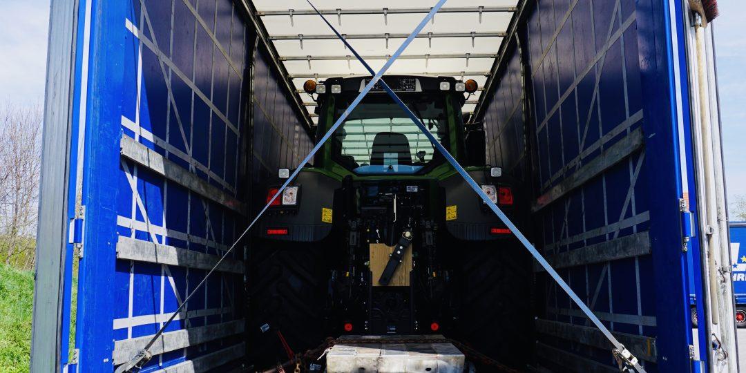 https://www.leinsle.com/wp-content/uploads/Traktor_Transporte_Plane-1080x540.jpeg